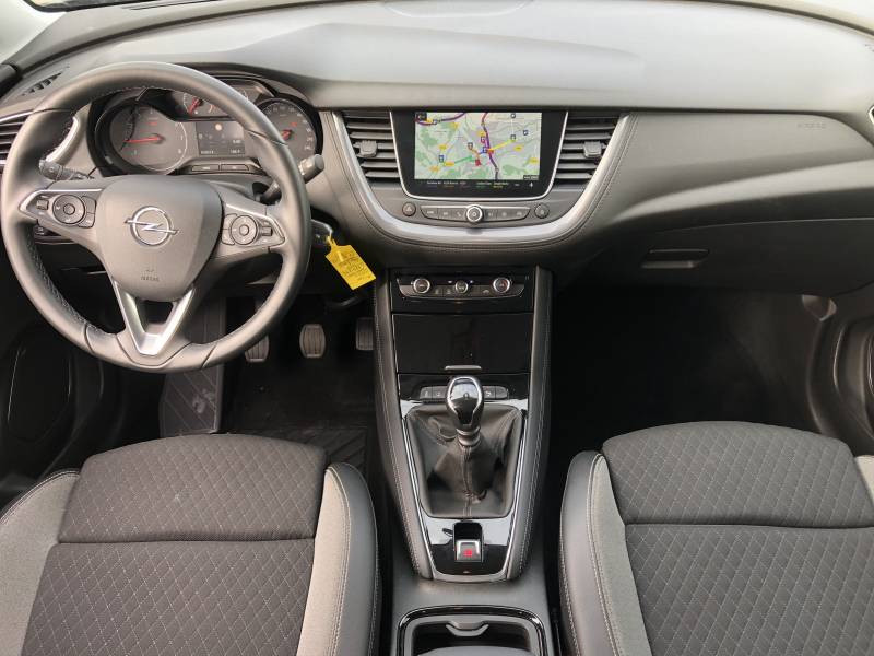 Opel Grandland X 1.2 Turbo 130 ch Design Line 120 ans Gris occasion à Brive-la-Gaillarde - photo n°6