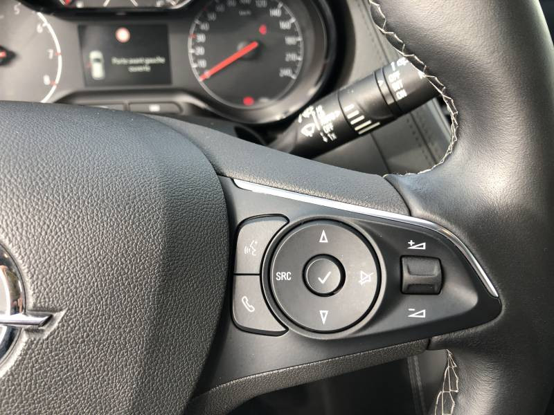Opel Grandland X 1.2 Turbo 130 ch Design Line 120 ans Gris occasion à Brive-la-Gaillarde - photo n°11