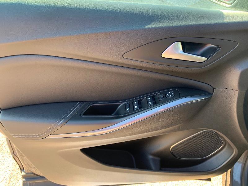 Opel Grandland X 1.2 Turbo 130ch Design Line Gris occasion à Auxerre - photo n°11
