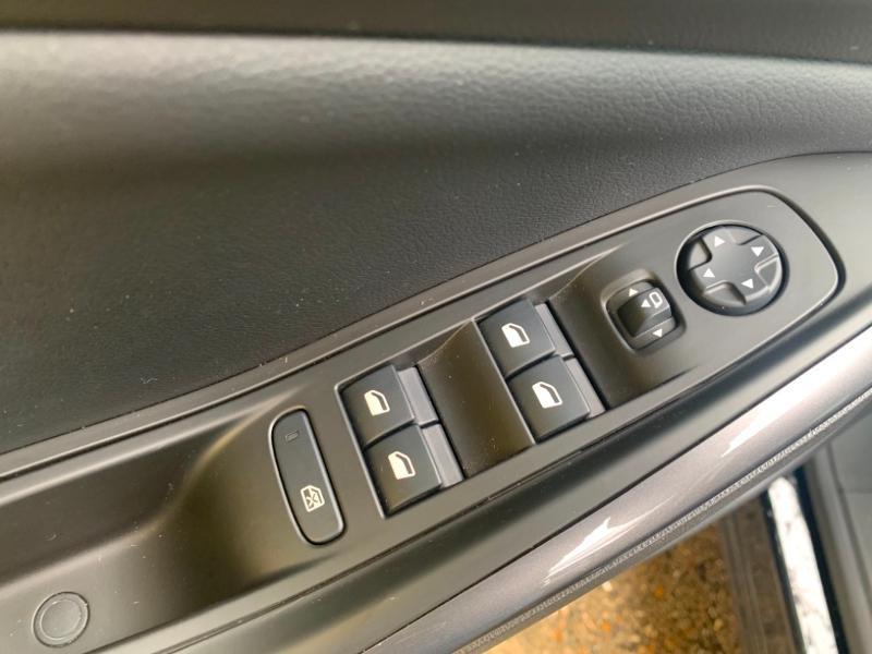 Opel Grandland X 1.5 D 130ch Elite 7cv Noir occasion à Varennes-sur-Seine - photo n°17