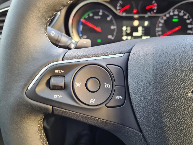 Opel Grandland X Hybrid 225ch Elite 10cv Blanc occasion à Barberey-Saint-Sulpice - photo n°13