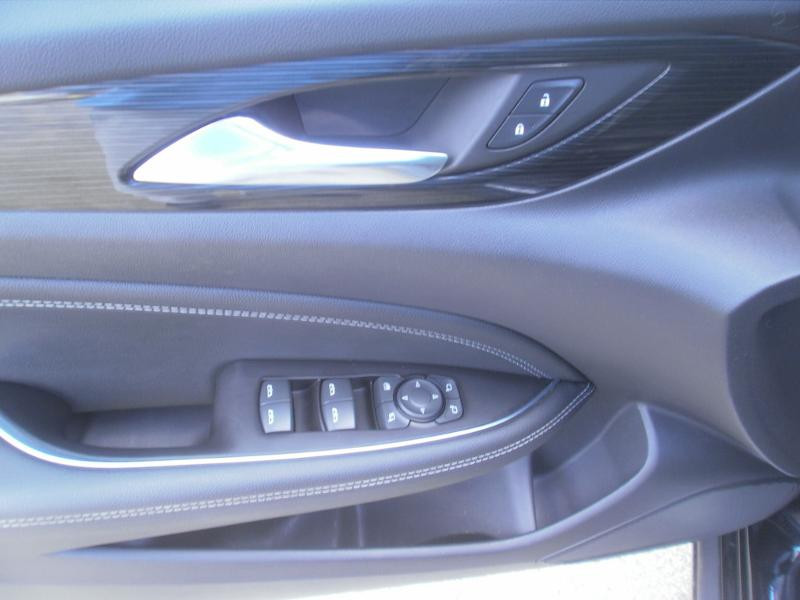 Opel Insignia Grand Sport 2.0 D 170ch Elite AT8 Euro6dT Noir occasion à Auxerre - photo n°9