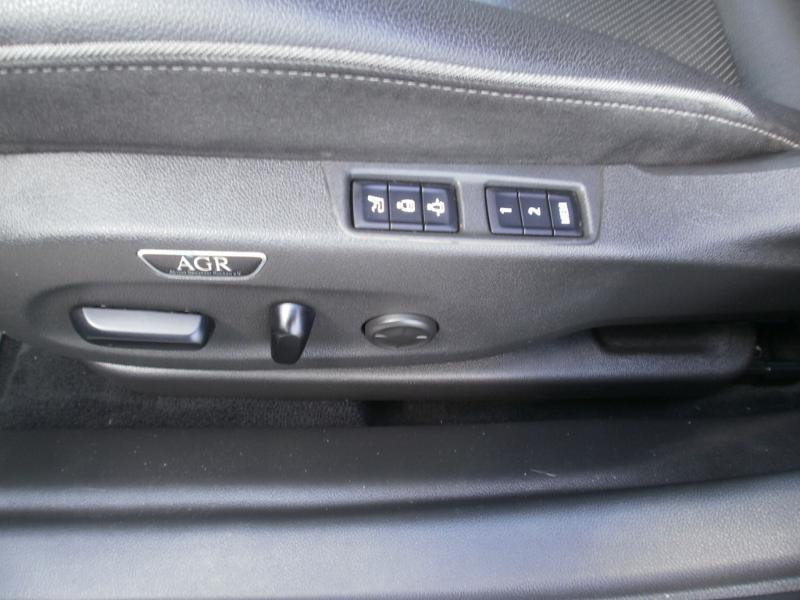 Opel Insignia Grand Sport 2.0 D 170ch Elite AT8 Euro6dT Noir occasion à Auxerre - photo n°10