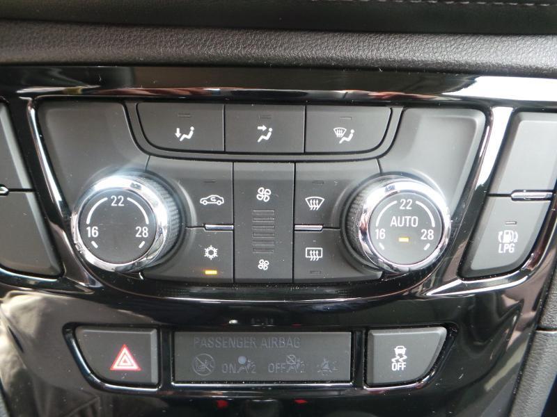 Opel Mokka X 1.4 Turbo 140ch Bicarburation Black Edition 4x2 Blanc occasion à Brie-Comte-Robert - photo n°8