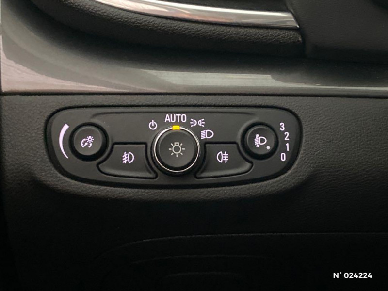 Opel Mokka X 1.6 CDTI 110ch ecoFlex Innovation 4x2 Gris occasion à Dury - photo n°15