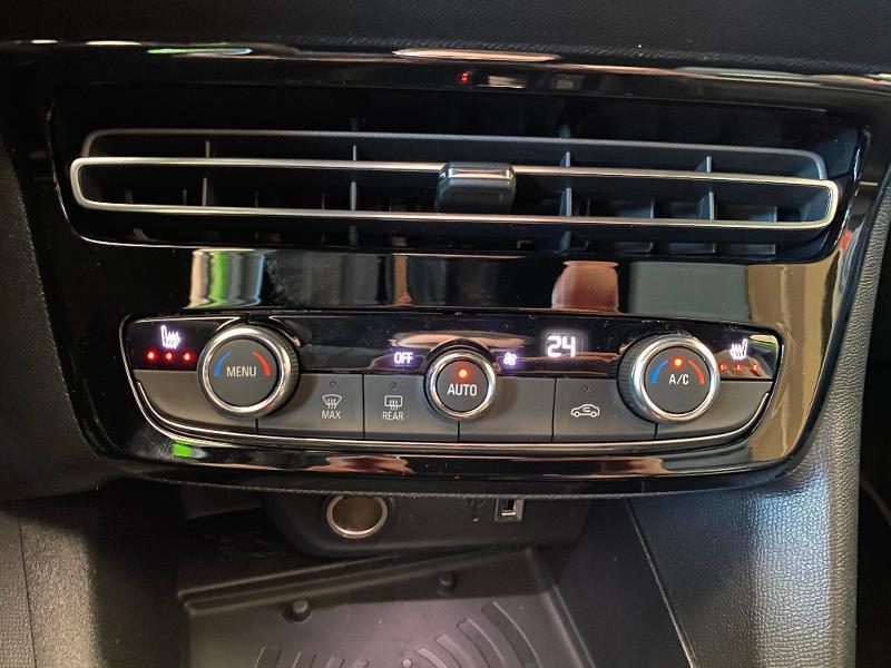 Opel Mokka Mokka-e 136ch Ultimate Vert occasion à Meaux - photo n°20