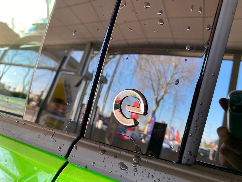 Opel Mokka Mokka-e 136ch Ultimate Vert occasion à Meaux - photo n°9
