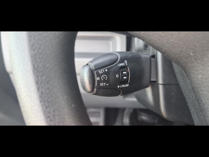 Opel Vivaro combi L3 1.5 D 120ch Standard Noir occasion à Vert-Saint-Denis - photo n°20