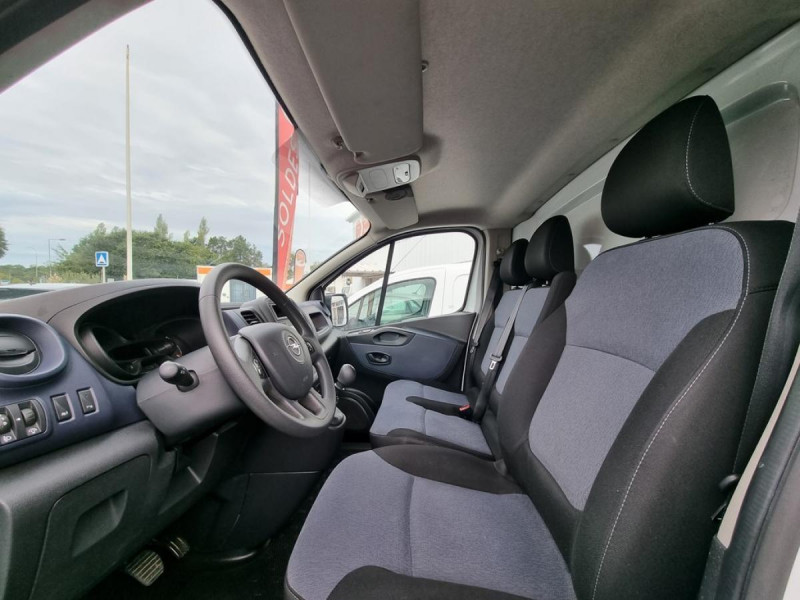 Opel Vivaro L2H1 2900 1.6 CDTI 120 Pack Clim + Blanc occasion à Arcangues - photo n°6