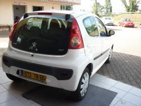 Peugeot 107 1.0 12v Urban Move 5p Blanc occasion à Portet-sur-Garonne - photo n°3