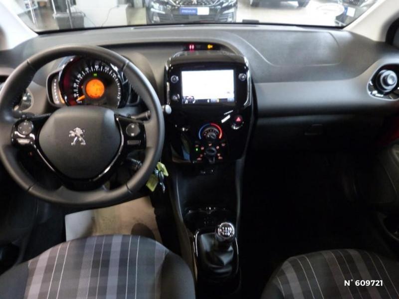 Peugeot 108 VTi 72 Allure S&S 85g 5p  occasion à Meaux - photo n°8