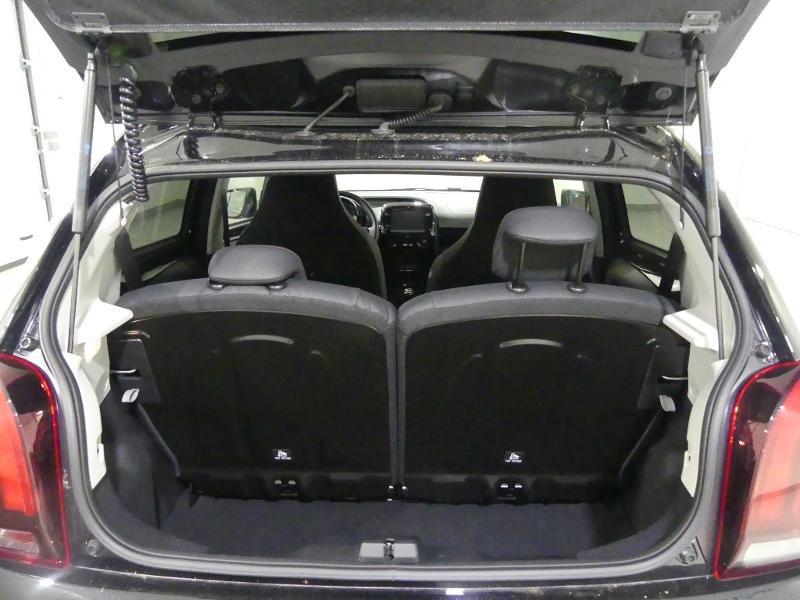 Peugeot 108 VTi 72 GT Line S&S 5p Noir occasion à Quimper - photo n°6