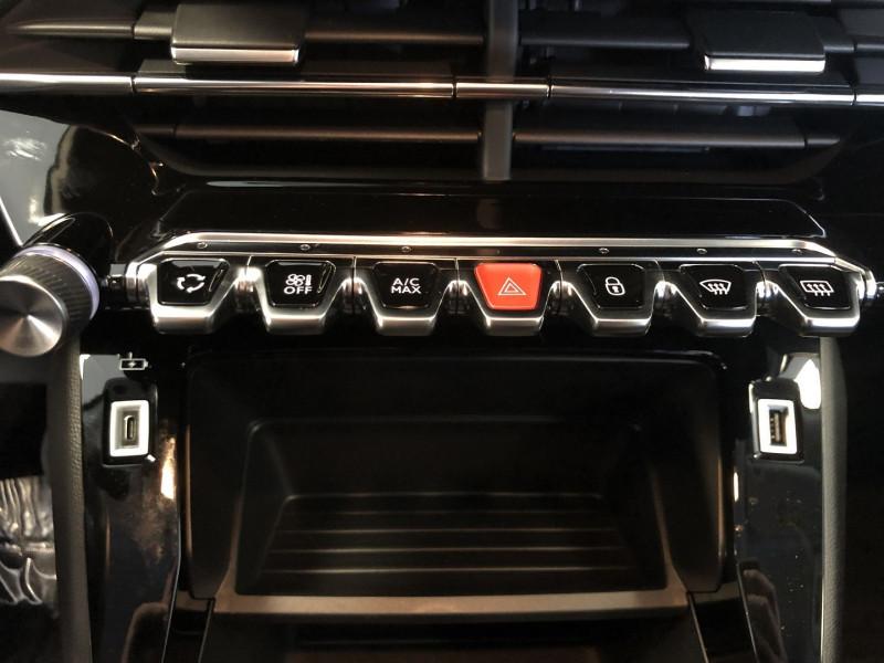 Peugeot 2008 1.2 PURETECH 100CH S&S ACTIVE Blanc occasion à FENOUILLET - photo n°12