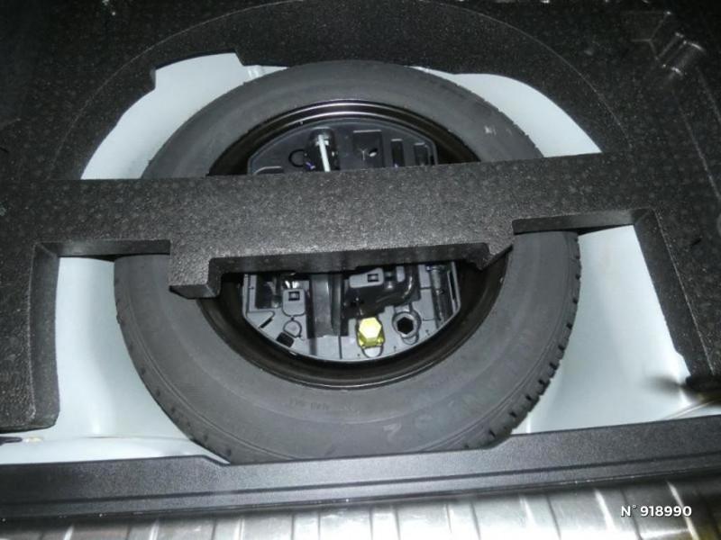 Peugeot 2008 1.2 PureTech 110ch Allure S&S EAT6 Blanc occasion à Cesson - photo n°13