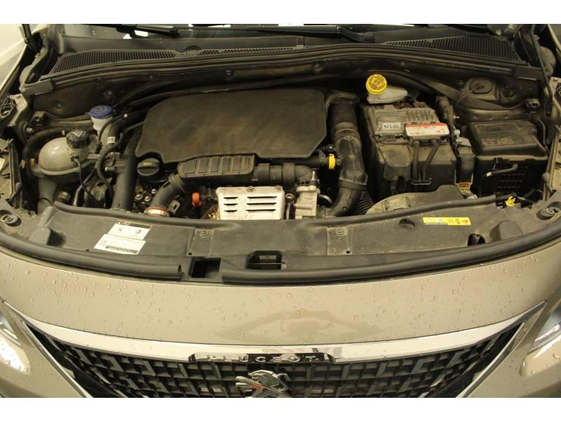 Peugeot 2008 1.2 PureTech 110ch S&S BVM5 Allure Gris occasion à Saint-Pierre-du-Mont - photo n°15