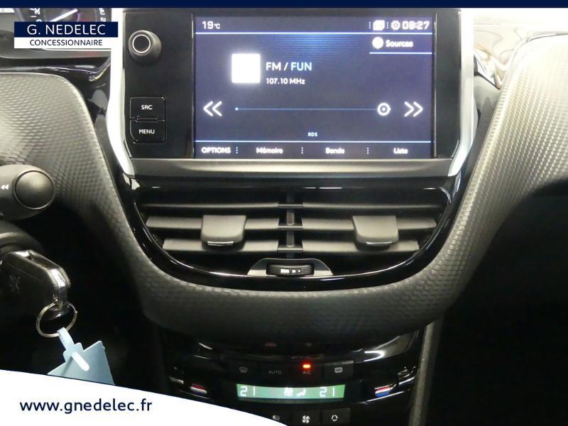 Peugeot 2008 1.2 PureTech 82ch E6.c Active Business Rouge occasion à Concarneau - photo n°6
