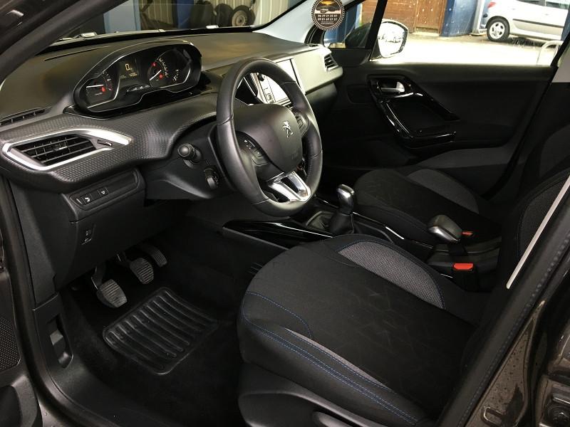 Peugeot 2008 1.2 PURETECH 82CH E6.C SIGNATURE S&S Gris occasion à Quéven - photo n°7