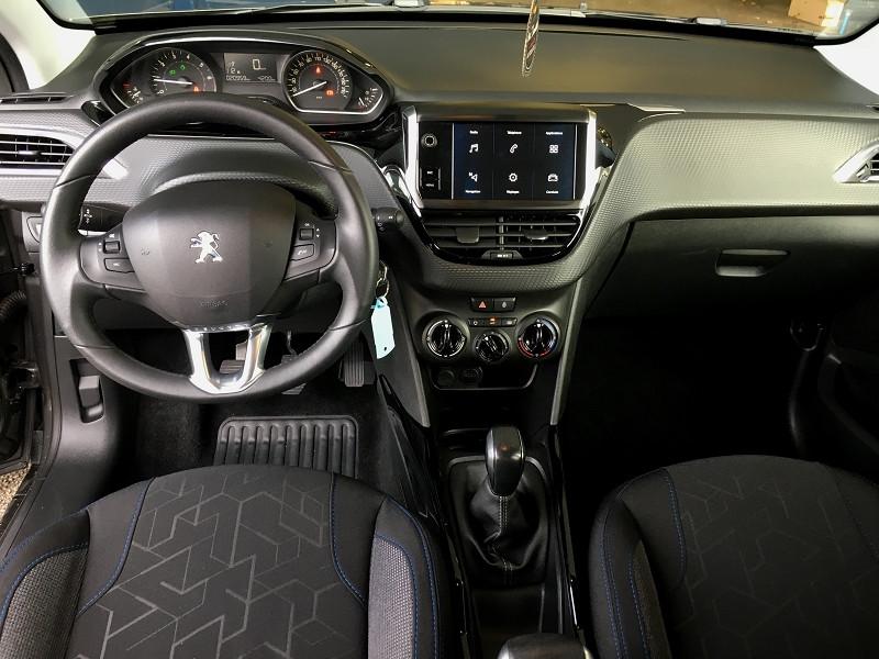 Peugeot 2008 1.2 PURETECH 82CH E6.C SIGNATURE S&S Gris occasion à Quéven - photo n°5
