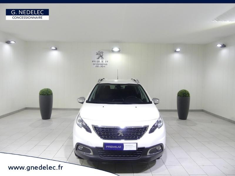 Peugeot 2008 1.2 PureTech 82ch Style Blanc occasion à Quimper - photo n°2