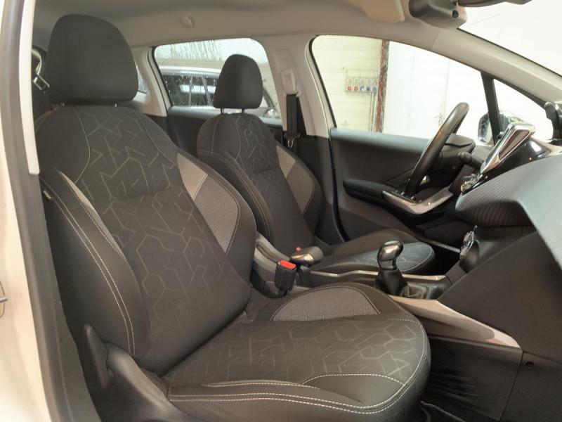 Peugeot 2008 1.2i PureTech 12V 82 CH Style Blanc occasion à Lormont - photo n°10