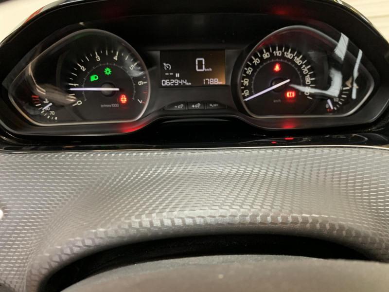 Peugeot 2008 1.2i PureTech 12V 82 CH Style Blanc occasion à Lormont - photo n°13