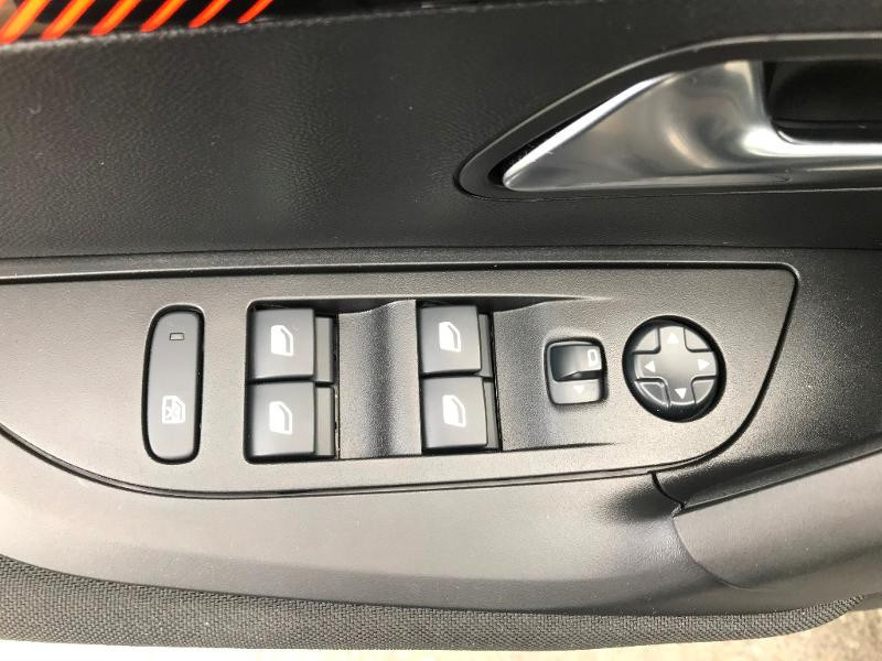 Peugeot 2008 1.5 BlueHDi 110ch S&S Active Business 5cv Gris occasion à Labège - photo n°10