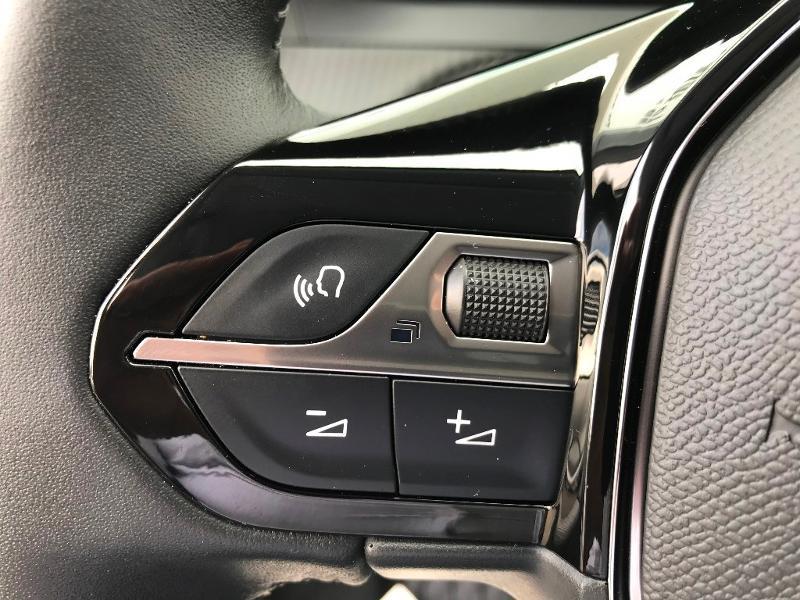 Peugeot 2008 1.5 BlueHDi 110ch S&S Active Business 5cv Gris occasion à Labège - photo n°12