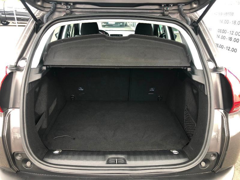 Peugeot 2008 1.6 BlueHDi 100ch Active Business S&S ETG6 Gris occasion à Gien - photo n°10