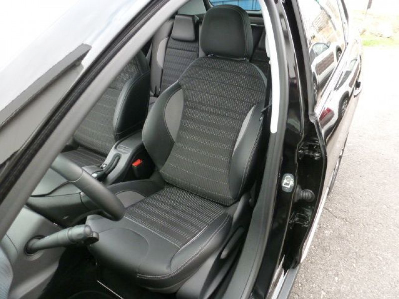 Peugeot 2008 1.6 E-HDI115 FAP ALLURE Noir occasion à TOULOUSE - photo n°9