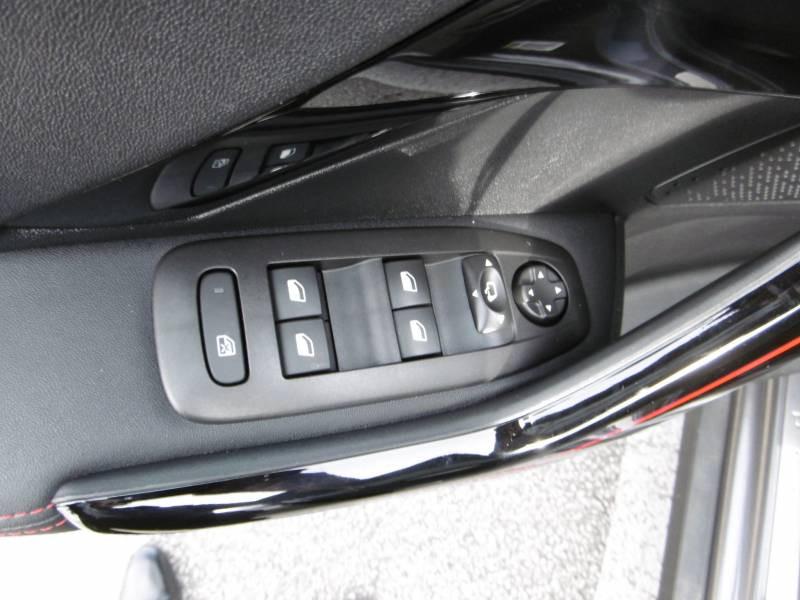 Peugeot 2008 BlueHDi 100ch BVM6 GT Line Gris occasion à Tulle - photo n°12