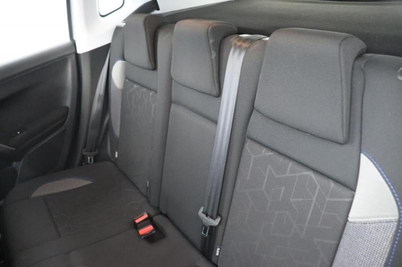 Peugeot 2008 BUSINESS 1.2 PureTech 110ch S&S BVM5 Allure Gris occasion à La Garde - photo n°6