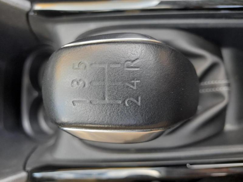 Peugeot 2008 PureTech 82ch S&S BVM5 Allure Gris occasion à LAMBALLE - photo n°15