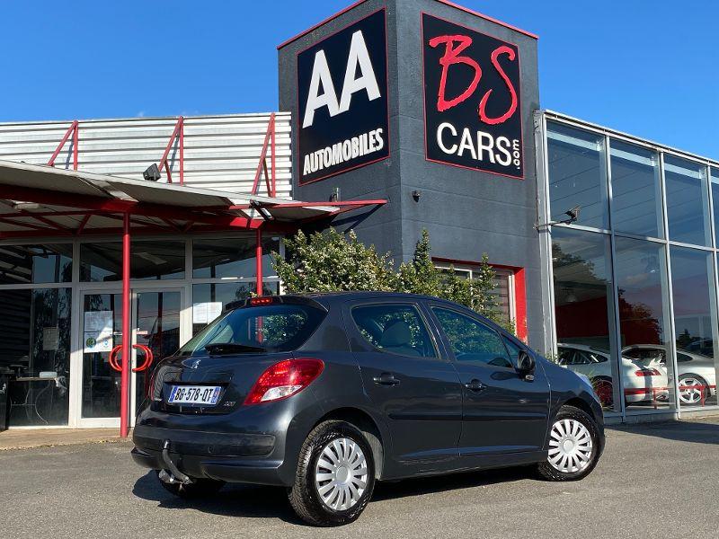 Peugeot 207 1.4 HDi70 Active 5p Gris occasion à Castelmaurou - photo n°2