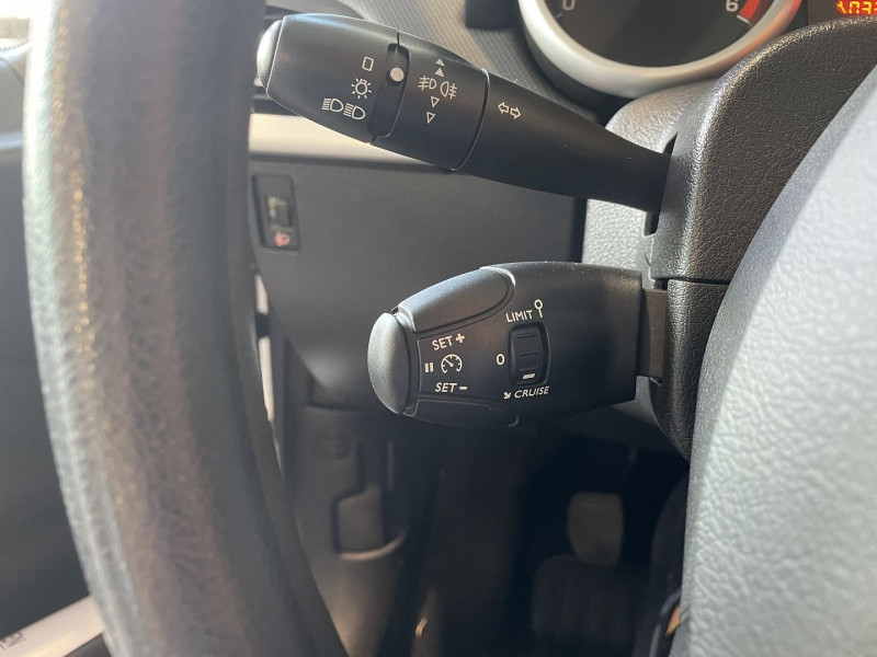 Peugeot 207+ 1.4 HDI FAP BLUE LION 5P Gris occasion à Foix - photo n°11