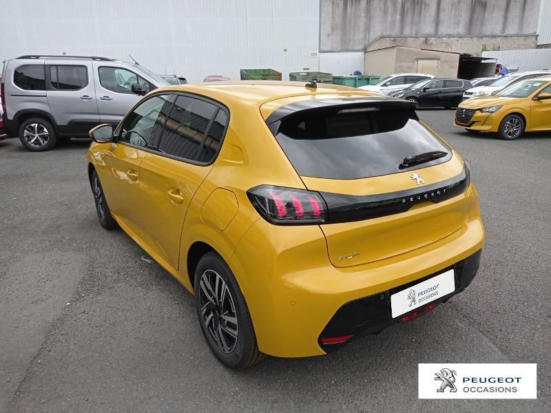 Peugeot 208 1.2 PureTech 100ch S&S Allure Pack Jaune occasion à Albi - photo n°19