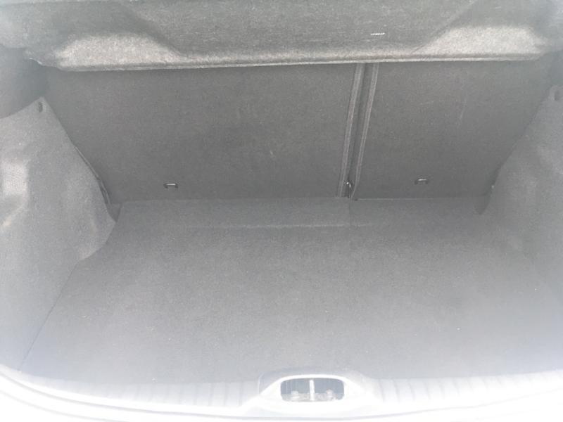 Peugeot 208 1.2 PureTech 68ch Active 5p Blanc occasion à Varennes-Vauzelles - photo n°12