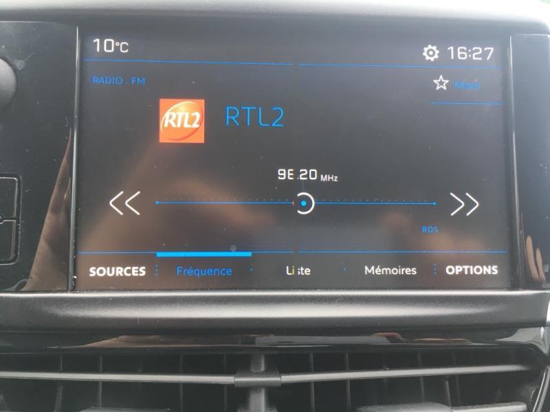 Peugeot 208 1.2 PureTech 68ch Active 5p Blanc occasion à Varennes-Vauzelles - photo n°9
