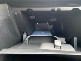 Peugeot 208 1.2 PureTech 82 CV ALLURE IMPORT JANTES ALU TITANE Bleu occasion à Biganos - photo n°16
