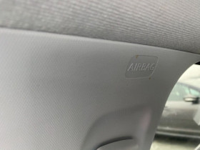 Peugeot 208 1.2 PureTech 82 CV ALLURE IMPORT JANTES ALU TITANE Bleu occasion à Biganos - photo n°18
