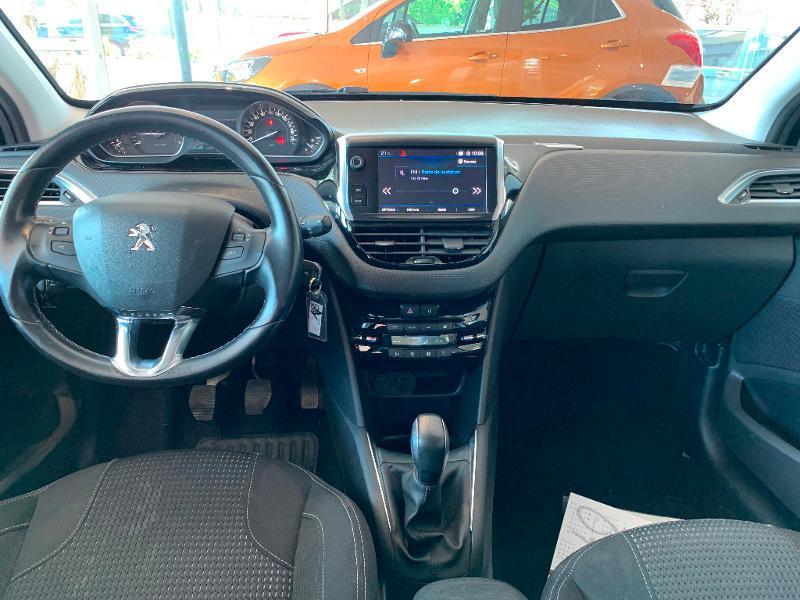 Peugeot 208 1.2 PureTech 82ch Allure 5p Noir occasion à Meaux - photo n°8