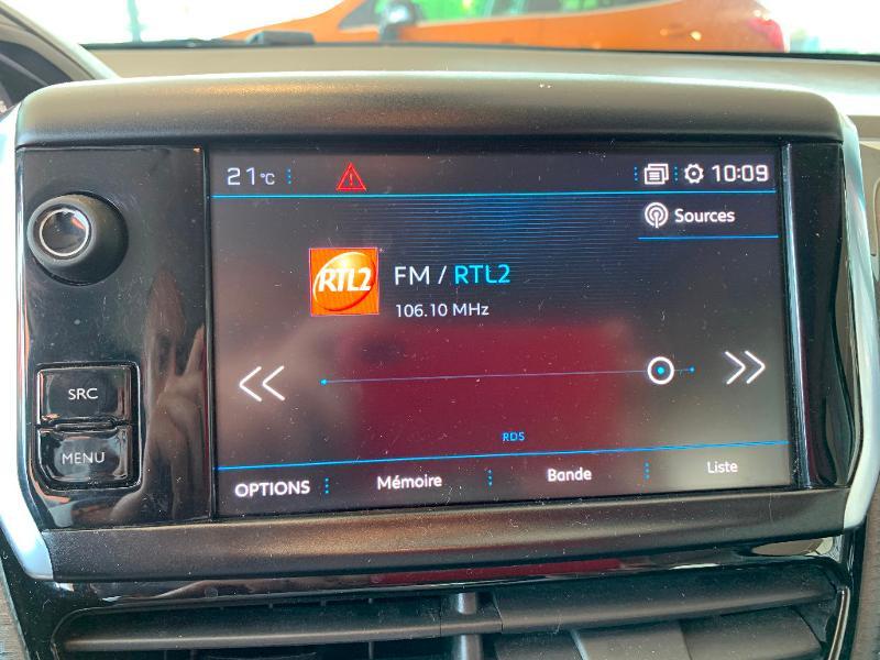 Peugeot 208 1.2 PureTech 82ch Allure 5p Noir occasion à Meaux - photo n°13