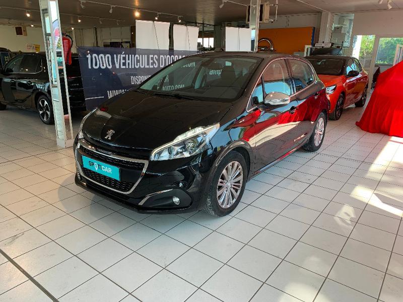 Peugeot 208 1.2 PureTech 82ch Allure 5p Noir occasion à Meaux