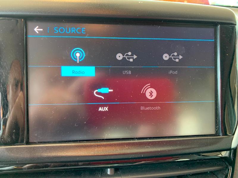 Peugeot 208 1.2 PureTech 82ch Allure 5p Noir occasion à Meaux - photo n°18