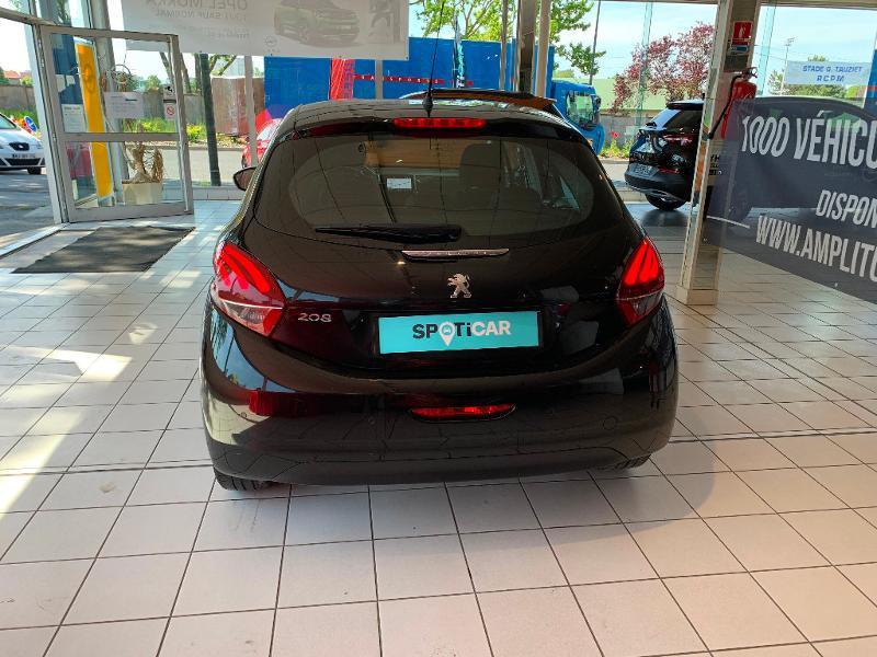 Peugeot 208 1.2 PureTech 82ch Allure 5p Noir occasion à Meaux - photo n°5