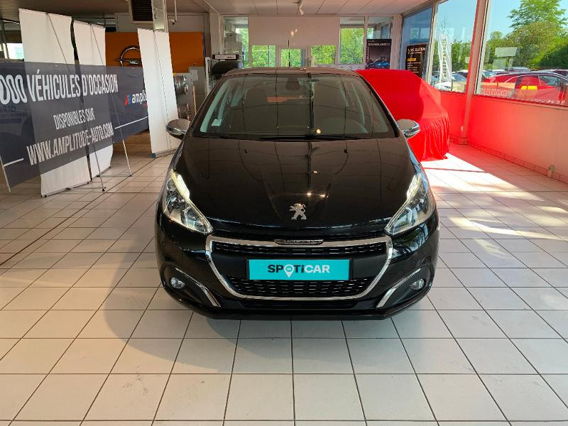 Peugeot 208 1.2 PureTech 82ch Allure 5p Noir occasion à Meaux - photo n°2