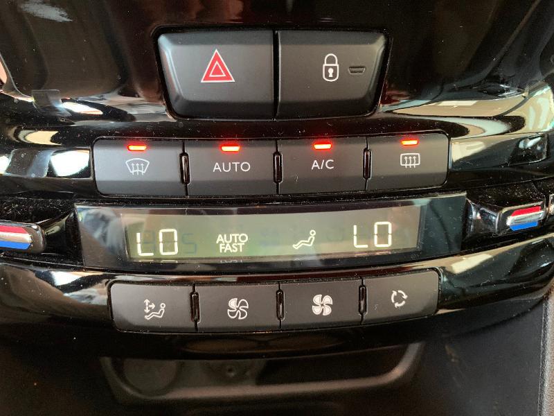 Peugeot 208 1.2 PureTech 82ch Allure 5p Noir occasion à Meaux - photo n°15