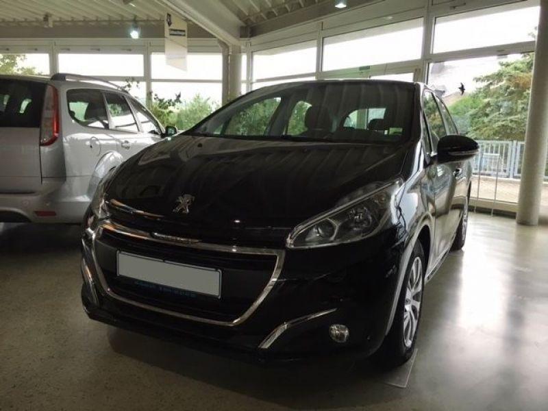 Peugeot 208 1.2 PureTech 82ch BVM5 Noir occasion à Beaupuy - photo n°9