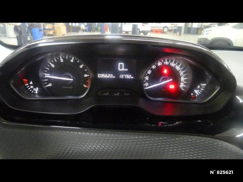 Peugeot 208 1.2 PureTech 82ch Style 5p Rouge occasion à Avon - photo n°16