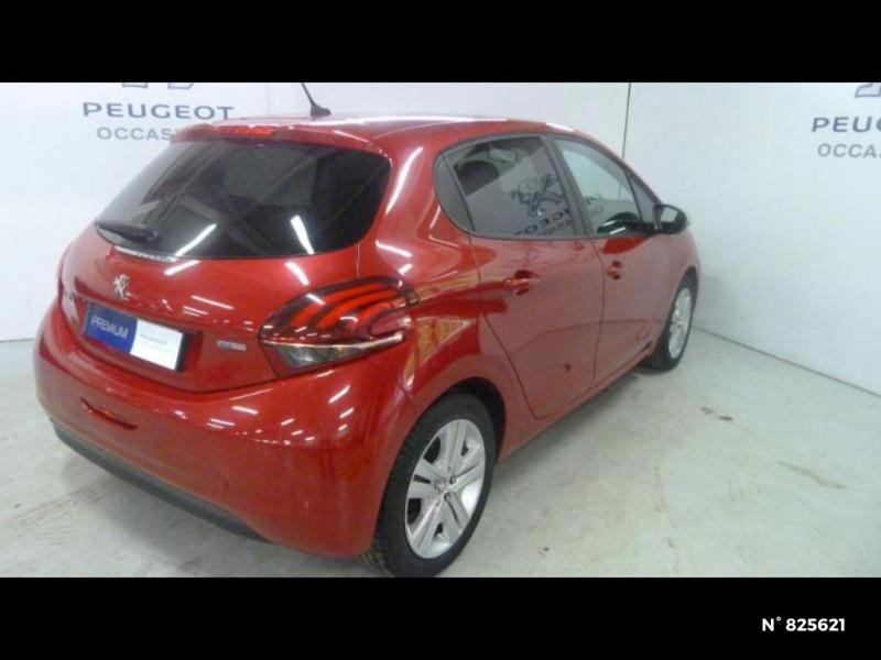 Peugeot 208 1.2 PureTech 82ch Style 5p Rouge occasion à Avon - photo n°19