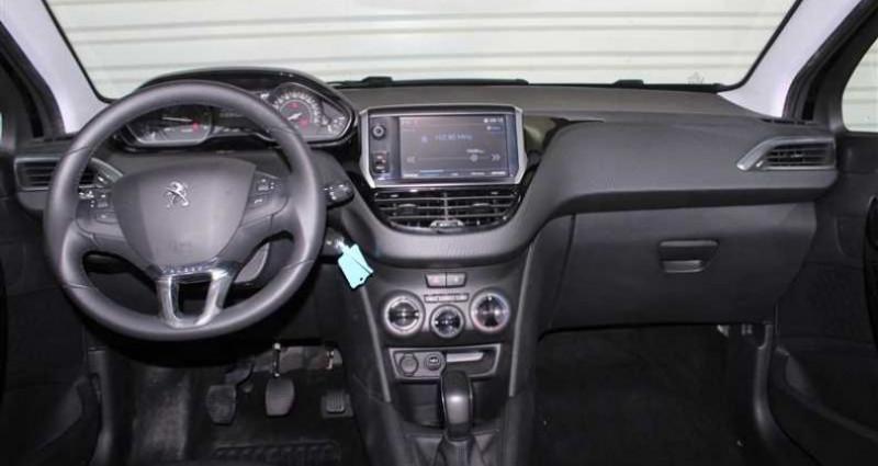 Peugeot 208 1.5 BlueHDi 100ch S&S BVM5 Signature Noir occasion à SAINT FULGENT - photo n°4